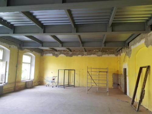 nový ocelový strop nad 3.NP